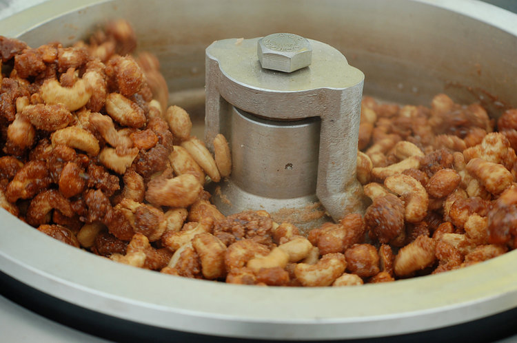 Roasting Cashews